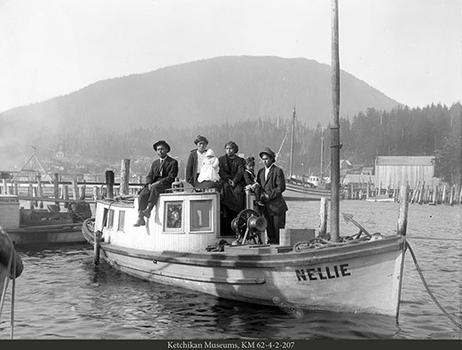 Gas workboat Nellie at Thomas Basin, circa 1907